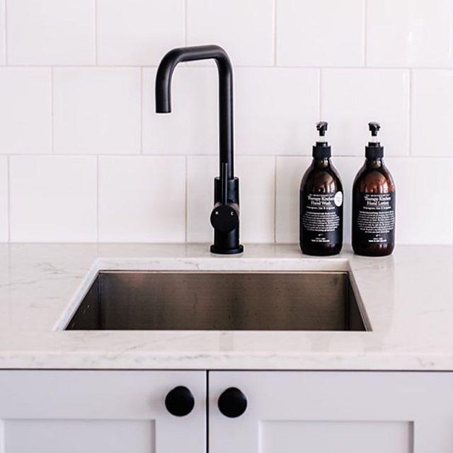 1000+ Ideas About Black Kitchen Sinks On Pinterest