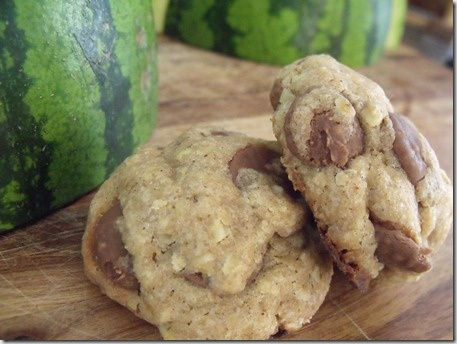 my newest obsession: brown butter, oat and chocolate cookies.
