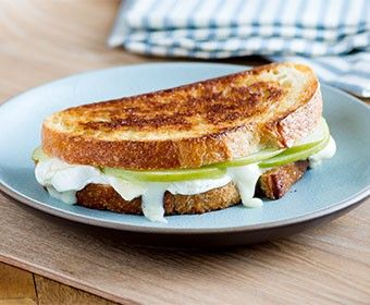 ... brie cheese cheese yum grilled brie apple grilled brie grilled cheeses