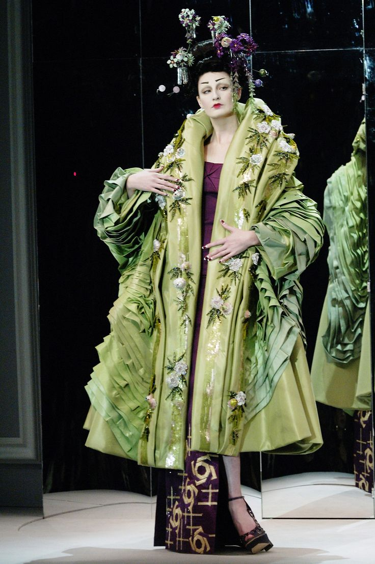 17 best images about john galliano on pinterest for Haute couture show