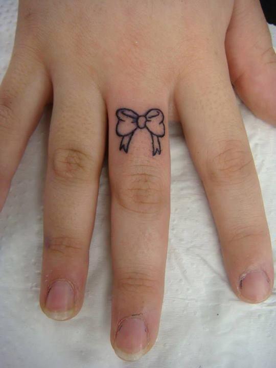 #tattoo #small #fofa #cute #finger #dedo #laço
