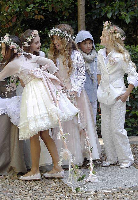 Trajes de comunión inspirados en diseños de boda de pasarela