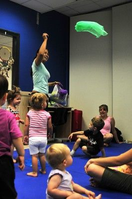 Keep adults engaged in toddler dance class