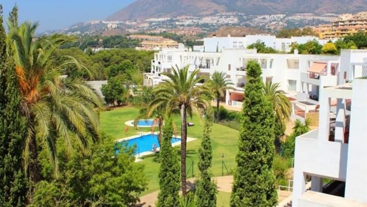 2 bedroom Apartment for sale in Benalmadena Costa – Your Dream Home – A SUPERB MIDDLE FLOOR, FRONTLINE GOLF, 2 BEDROOM, 2 BATHROOM APARTMENT IN BENALMADENA COSTA.