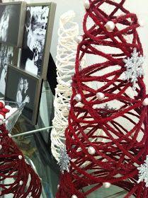Blonde Strands: Yarn Christmas Tree DIY