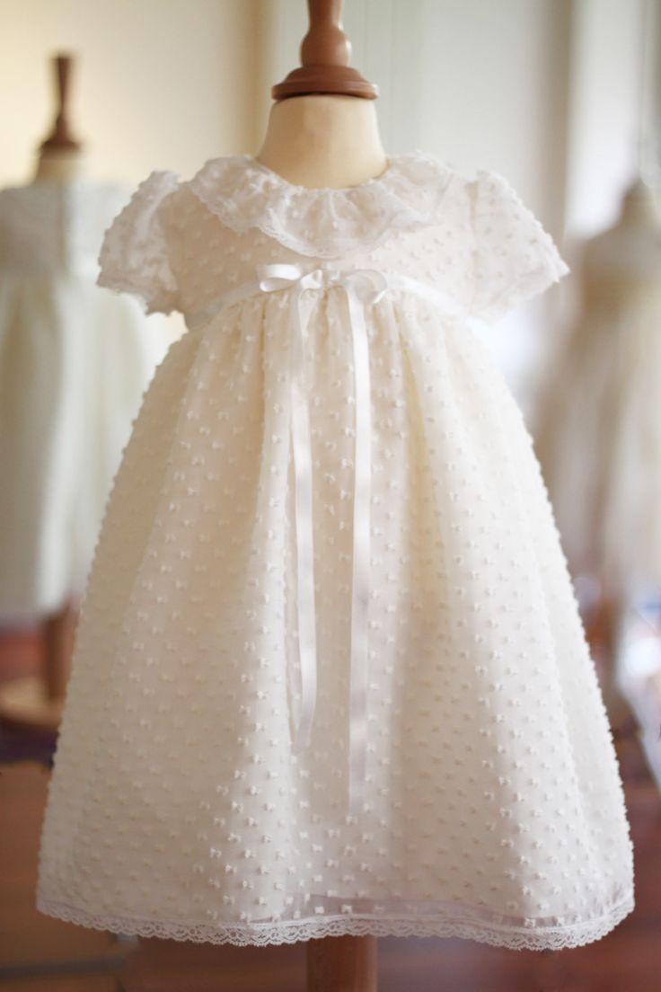 Robe baptême courte en voile de soie plumetis Alicia