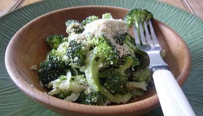 Tout Cru Dans Le Bec: Brocoli croquant, assaisonnement saveur parmesan