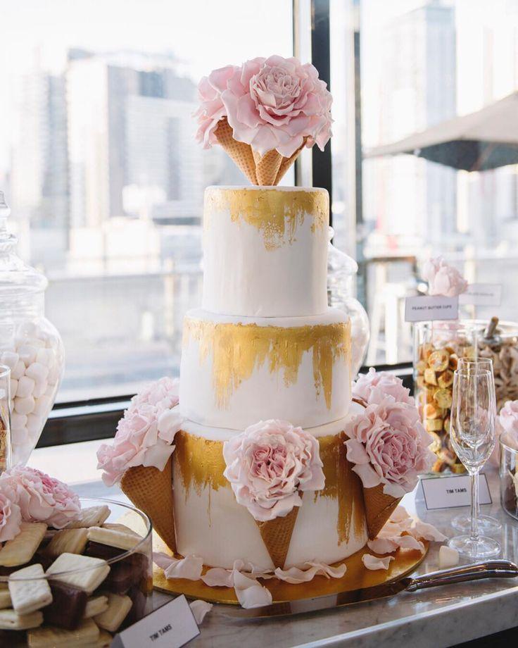 Sugar blooms by cakeblooms