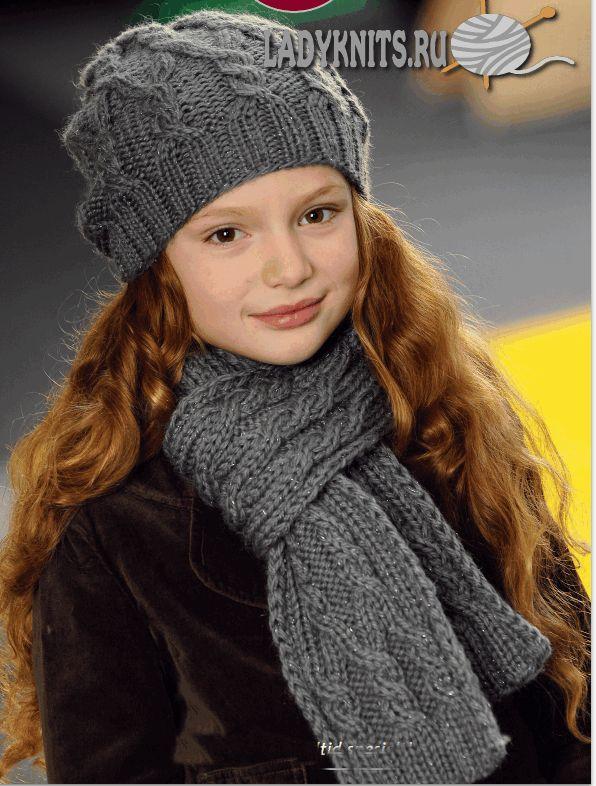 Вязаная спицами красивая шапка и шарф с косами для девочки от 2 до 14 лет