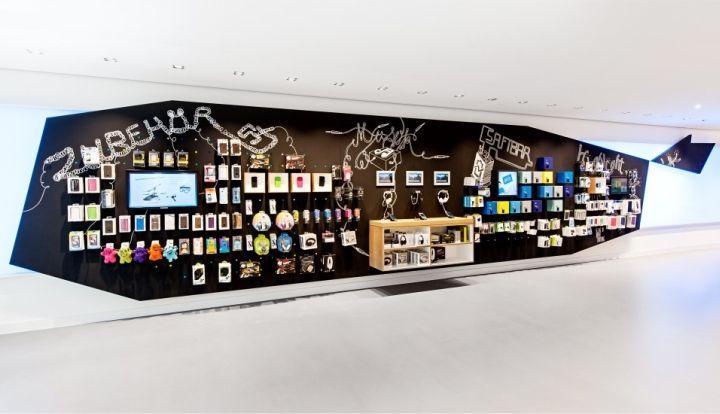 O2 Live Concept Store by hartmannvonsiebenthal, Berlin telecommunication