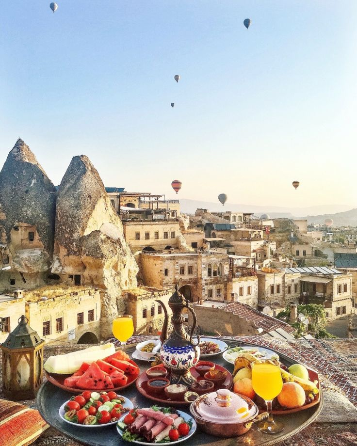 Breakfast in CAPPADOCIA ~~ Sultan Cave Suites ,Cappadocia,Turkey // Picture by PILOTMADELEINE #goreme #kapadokya #cappadocia #Breakfast #Turkey