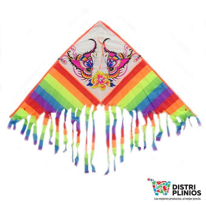 Cometas Mariposas Rayas Divertida cometa con el dibujo de una mariposa a rayas, se vende mínimo 6 unidades, ideal para la temporada de agosto. Medidas Alto 53 cms Largo: 120 cms cola 50 cms de larga Para ventas al por mayor comuníquese al 320 3083208 o al 3423674 en Bogotá