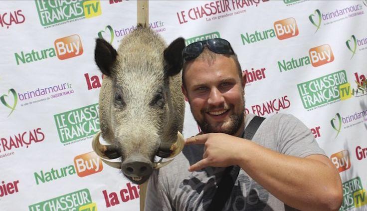 Une mystérieuse chimère se trouvait sur le stand du Chasseur Français au Game Fair 2015...A votre avis, à partir de quels animaux a-t-elle été c...