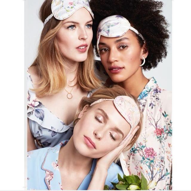NYTT NUMMER  Succén är tillbaka  nya ELLE Fest och bröllop finns nu ute i butik (och att beställa hem på elle.se  link i bio). Ett måste för alla blivande brudar och oss som ska på fest i vår. Plus: massa tips för studenter sommarfester och vårbaler också   via ELLE SWEDEN MAGAZINE OFFICIAL INSTAGRAM - Fashion Campaigns  Haute Couture  Advertising  Editorial Photography  Magazine Cover Designs  Supermodels  Runway Models