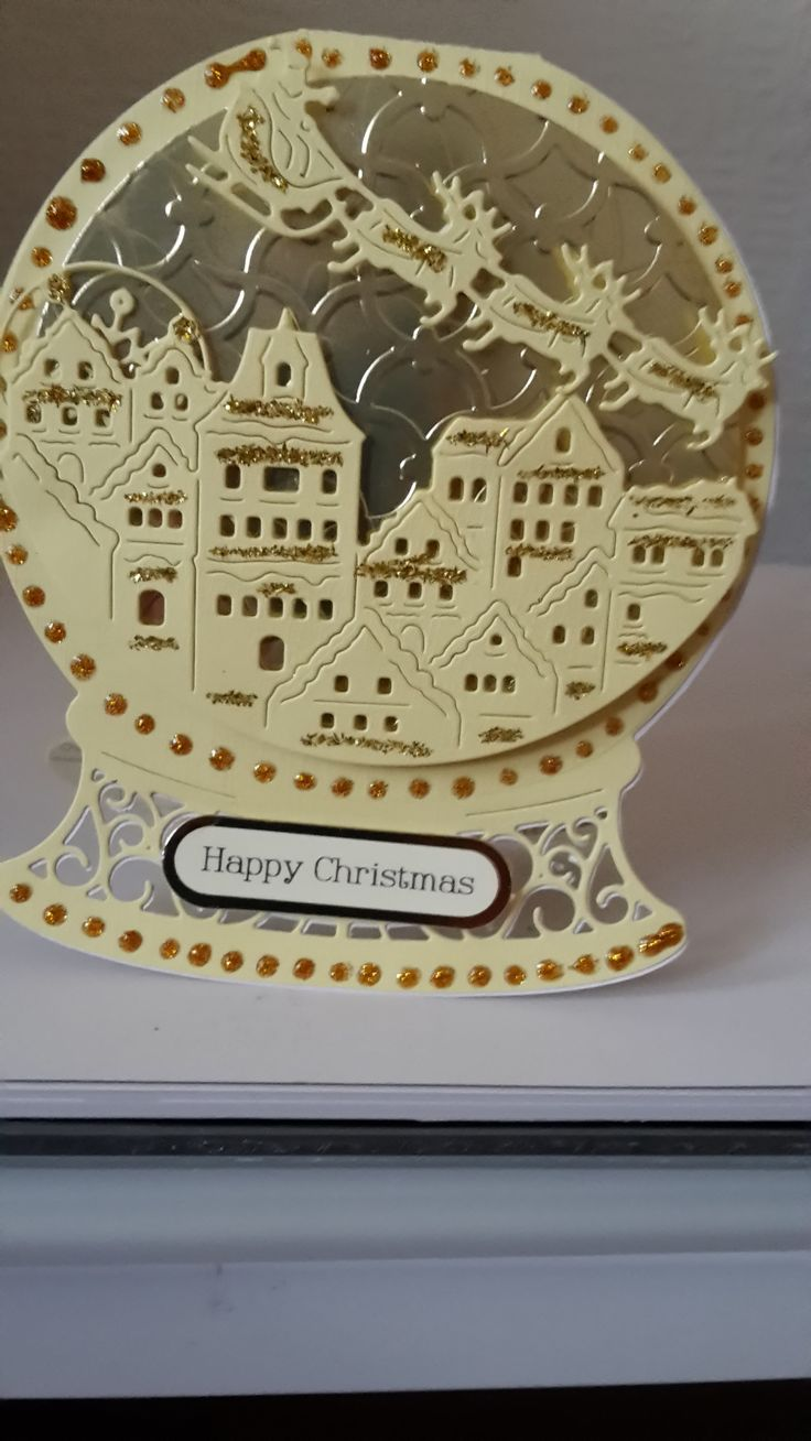 Made by Pamela Smith - i love tattered lace there dies are always brilliant loving the christmas dies i try and buy as many as i can keep it up stephanie brilliant lady well done