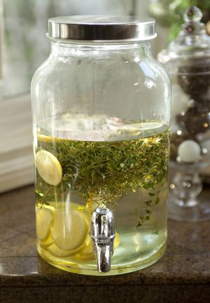 5 Tips & 20 Recipes for DIY Liquor Infusions: Fresh Fruit and Herb Vodka Infusion