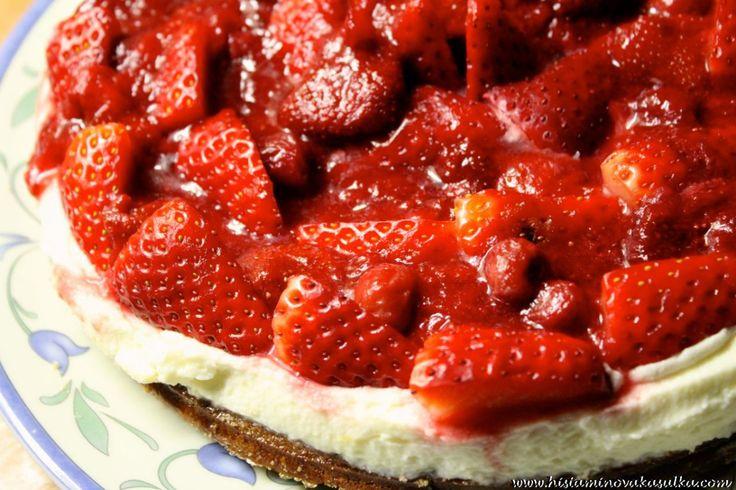 Bezlepkový dortík s mascarpone a jahodami
