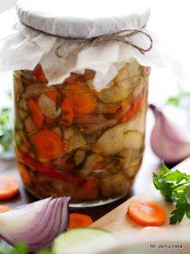 salatka-z-cukinii-i-kolorowych-warzyw