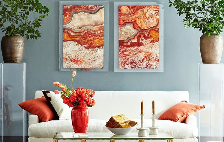 It's time to bring an ode to the hottest stone of 2016: the many-layered agate. It comes in all the colours of the rainbow and has inspired designers to create fabulous prints and accessories.