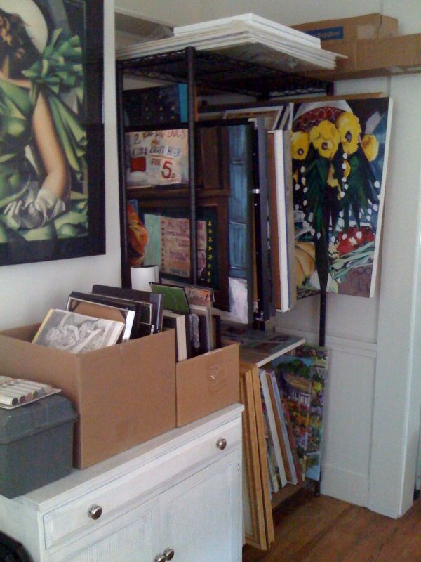 Lately it's been tough to find time to paint and one thing I've always struggled with is workingwithin a cluttered area (though I seem to h...