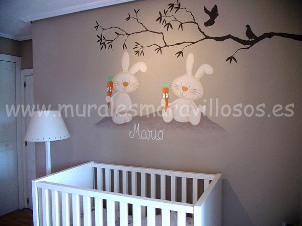 Murales de conejitos pintados sobre paredes lisas y gotelé. Toda España…