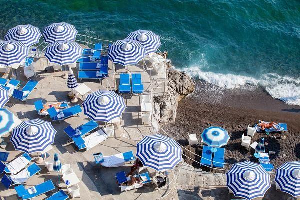 La Scogliera Beach Positano Sunbather