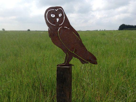 Rusty Owl / Rusty Metal Garden Art / Owl by RustyRoosterMetalArt Buy from Etsy of www.rustyrooster.co.uk