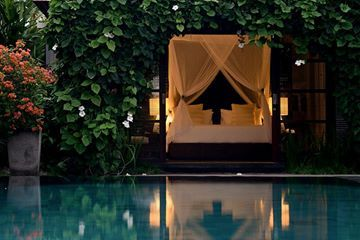The stunning Peppers Resort in Seminyak are offering a 2 night stay in one of their one bed pool villa's for honeymooners. Further information on how to claim this generous offer will be within your show bag. #peppers #moonahlinks #weddingshowcase #morningpeninsula #peninsulaweddings #seminyak #peppersseminyak #love