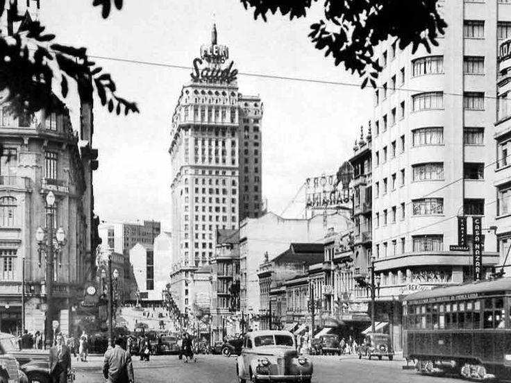 Avenida São João, Largo Paissandú, em 1945