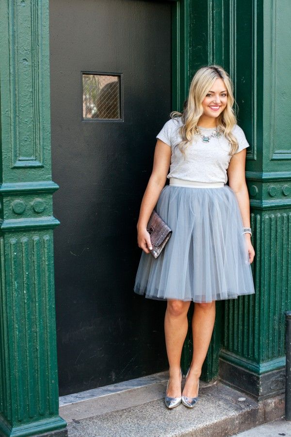 tulle skirt outfit, milly clutch, silver pumps