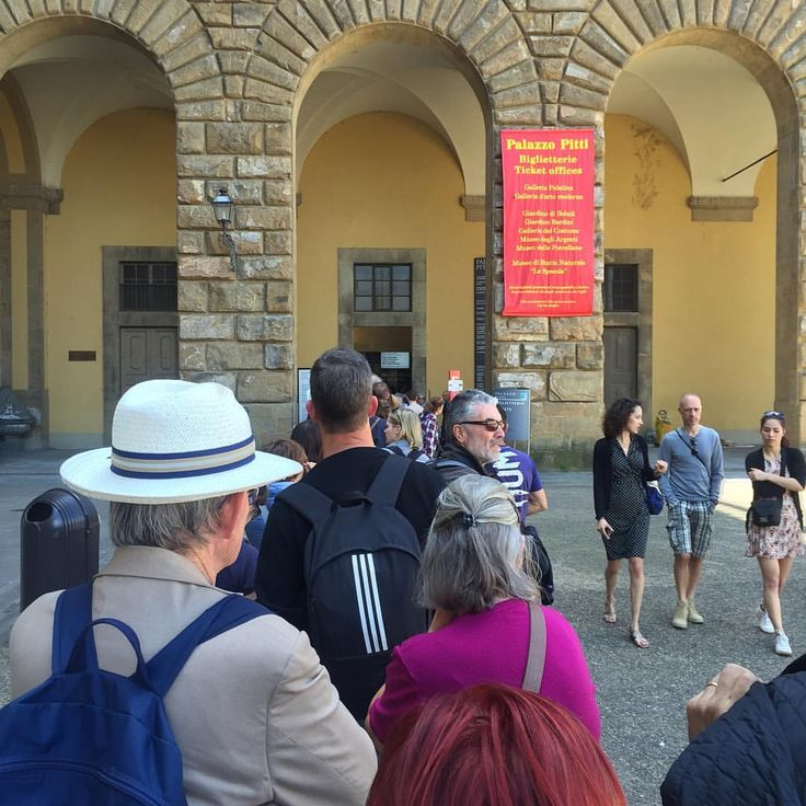 I enjoy every moment as I enjoy every picture. — On the queue for enter to Palazzo Pitti. Sometimes...