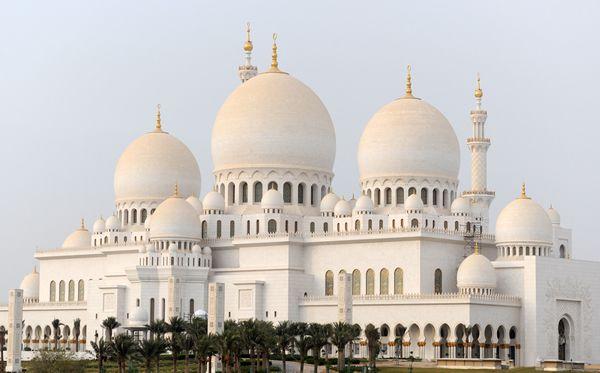 Sheikh Zayed Grand Mosque 2 (Abu Dhabi, UAE) (Image Credit: Best in Travel)