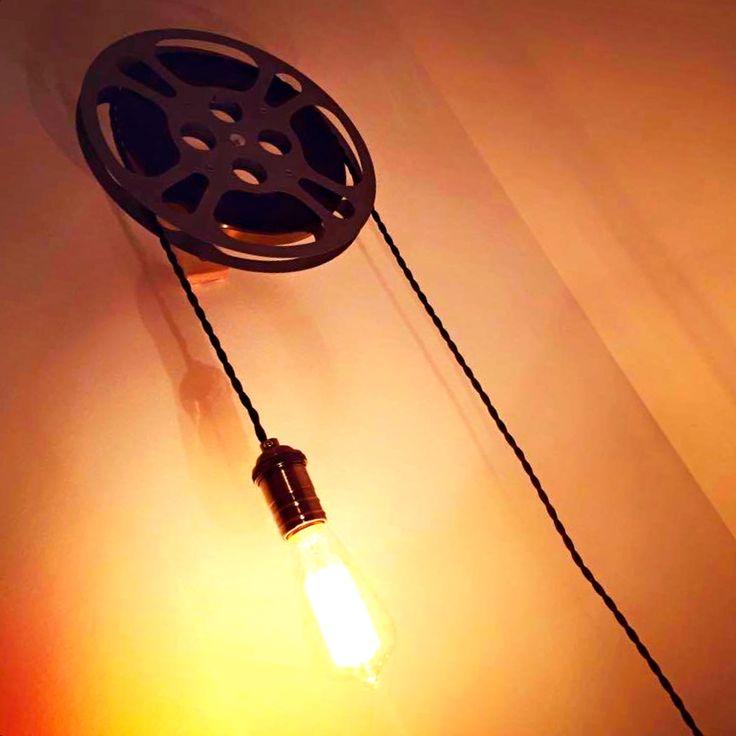 une bobine de cin ma peut devenir une lumi re d 39 ambiance. Black Bedroom Furniture Sets. Home Design Ideas