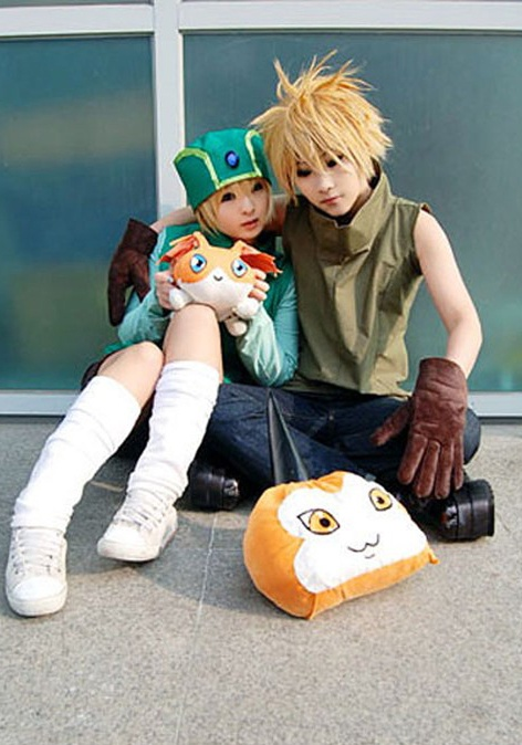 beautiful doll-like cosplay of TK and Matt from Digimon Adventure 01!