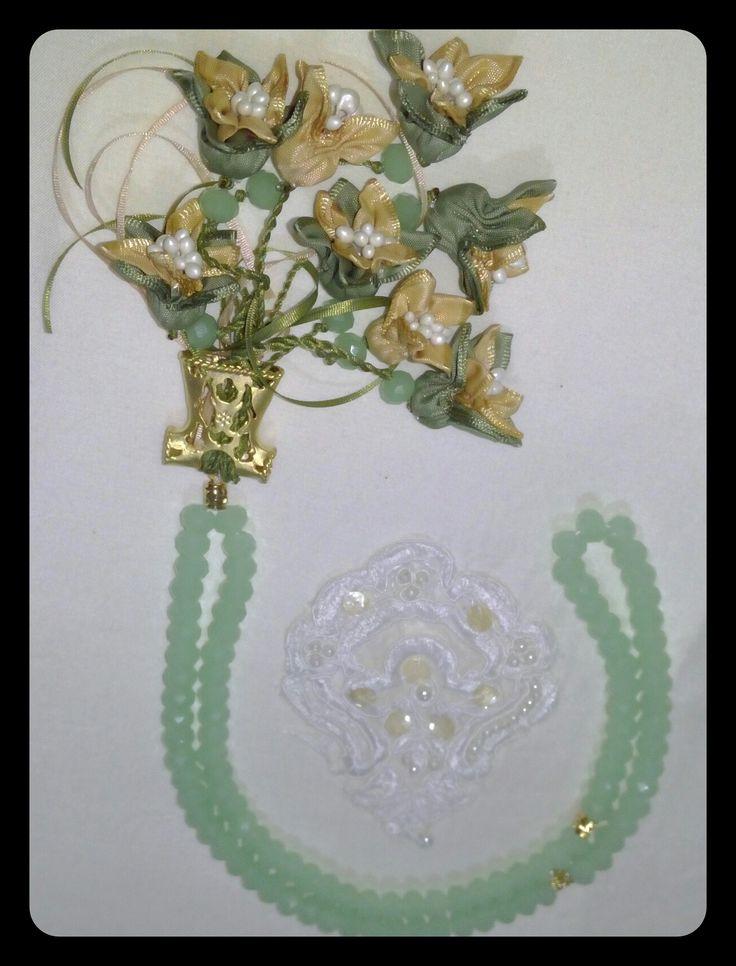 Yeşil Taş,Kaftan İmame ve Yeşil Çiçek Güzel bir Kombin oldu. #tesbih #tasarım #moda #kadın #namaz #aksesuar #hediyelik