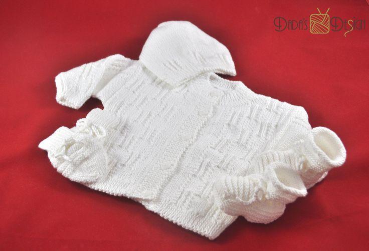 """Strickjacken - Gestrickte Babygarnitur """"Avery"""", Gr.ca 62 in weiß - ein Designerstück von DadaH bei DaWanda"""