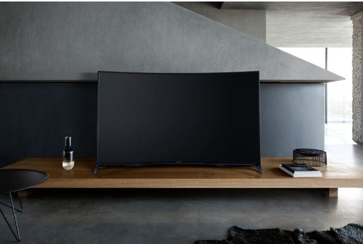 Panasonic presenta su primer TV Curvo con 4K Pro, que estará disponible a partir de septiembre del 2015