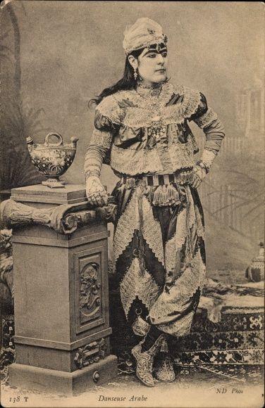 Postcard Danseuse Arabe, arabische Tänzerin in Volkstracht, Algerien