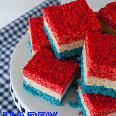 Everyone loves Rice Krispie Treats!  Enjoy these festive and patriotic treats on the 4th of July!