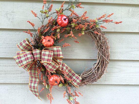 Couronne de Primitive primitive citrouille & baies une couronne de vigne, automne guirlande, couronne de porte d'entrée,