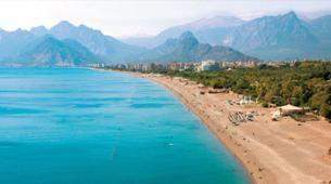 Rus turist kaybının faturası 3 milyar doları bulacak http://haberrus.com/tourism/2015/07/03/yurt-disina-tatile-giden-ruslar-yuzde-27-daha-az-harcadi.html