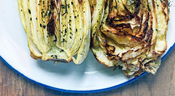 Kook met bijvangst: gefrituurde citroenspiering met saffraanmayo zoals spiering en serveer naast de vis een hele gepekelde en geroosterde Chinese kool.