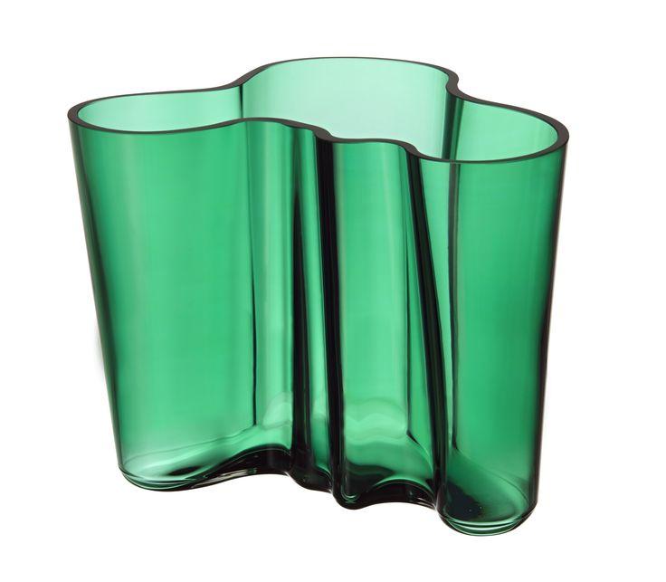 http://www.aitonordic.it/collections/protti-per-cucina-e-per-tavolo/products/aalto-vaso-smeraldo-iittala