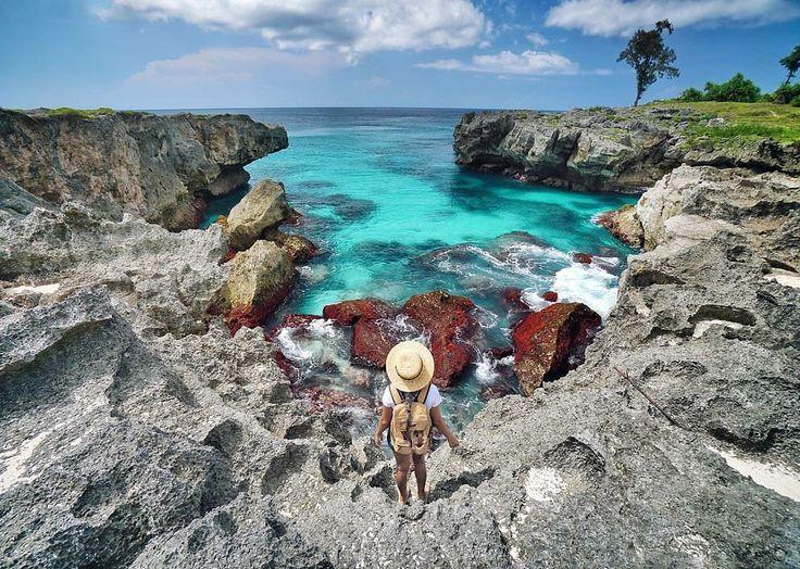 Original Caption @marischkaprue  Went to Sumba again with @tukang_jalan, and again, all the places in Sumba is always breath-taking 😍  Spot: Mandorak Beach, Sumba 📷: @ferryrusli  . . #sumba #visitsumba #pulausumba #ExploreSumba #opentripsumba #tripsumba #tukangjalantrip #PesonaIndonesia #WonderfullIndonesia #ExploreNusantara #Liburan #Traveling #Travel #Tour #Tukang_Jalan #tukangjalan #TravelingGram #Indonesia #danauweekuri #kelilingindonesia #purukambera #pantaiwalakiri #bukitwairinding