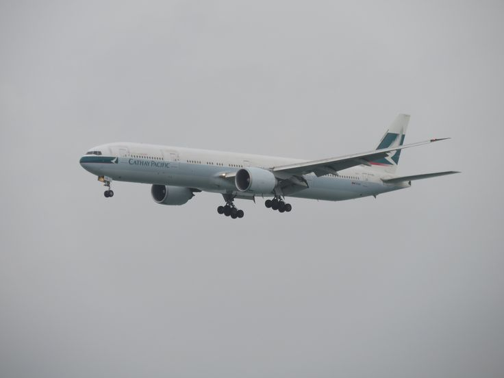 https://flic.kr/p/URxFMX | B-KQD | Type: passenger jet Airlines: cathay pacific Manufacturer: boeing Boeing 777 777-300 777-300ER 777-367ER 77W 77G C   W    Y    Total 32   40    268    340 2x GE GE90-115B MSN:39237 Line:1077 First flight:05 feb 2013 Production site: EVERETT( PAE) Delivered date:19 feb 2013 Flight: CX912 From manila (MNL)