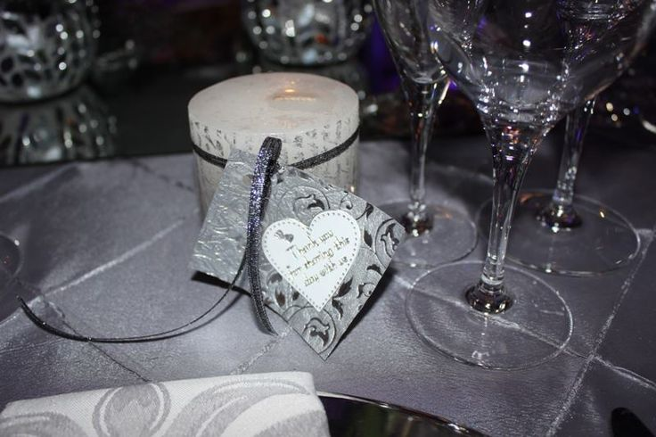 guest gifts - vanilla scented candles