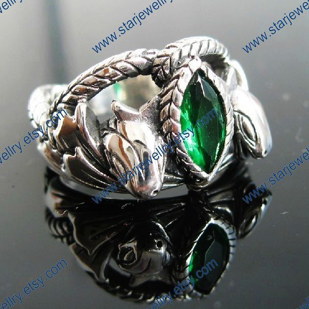 Aragorn's ring.... I really want this to be my engagement ring, my future fiancé better love LOTR as much as I do