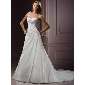 Robe de mariée bretelle unique,plis et applique fleur,fermeture par lacet au dos,jupe longue avec traine.robe faite en taffetas.