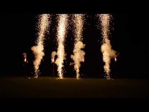 Feuerwerk Zum Geburtstag Zur Musik Von Coldplay Youtube In 2020 Coldplay Feuerwerk Musik