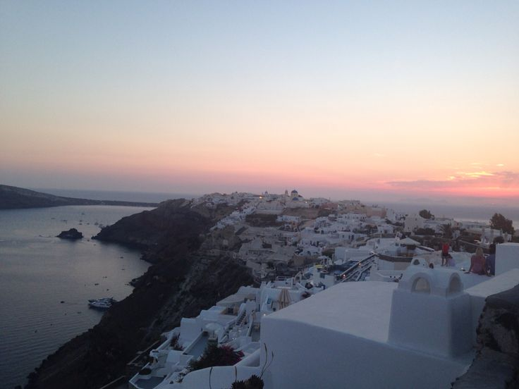 Guided sightseeing Tours, Day trips, winery Tours, sunset cruises, kayaking, hiking, ride transfers & Activities in Santorini by local Travel agency.
